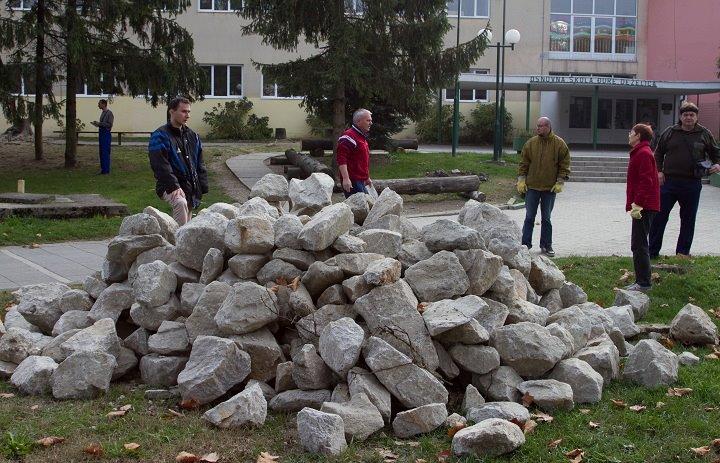 Kamenje spremno za fradnju