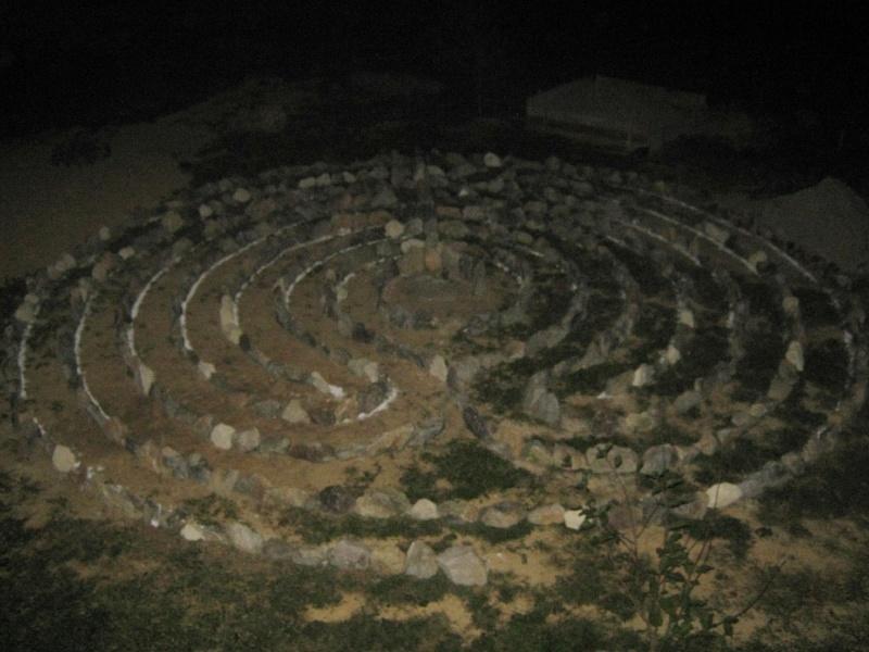 15-labirint-povezanosti-nocu